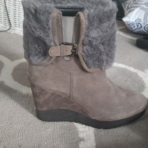 Furry Booties w/wedge
